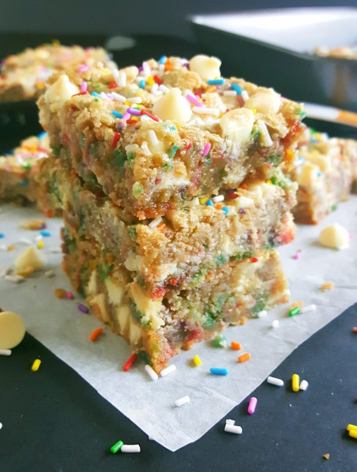 White Chocolate Chip Birthday Cake Batter Blondies -If you love eating cake batter and are a sucker for cookie dough then you will absolutely love these Blondies. No mixer required, one bowl, and they're ready in less than 30 minutes!