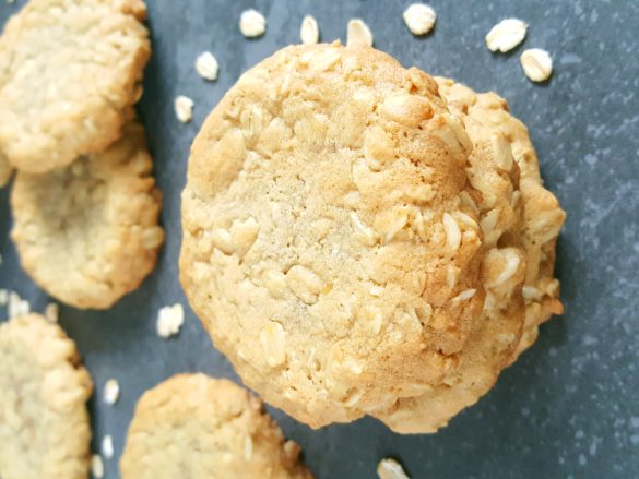 Easy Homemade Old-Fashioned Oatmeal Cookies - These soft and thick oatmeal cookies are made with melted butter and old fashioned oats. They're so easy to make and so delicious!