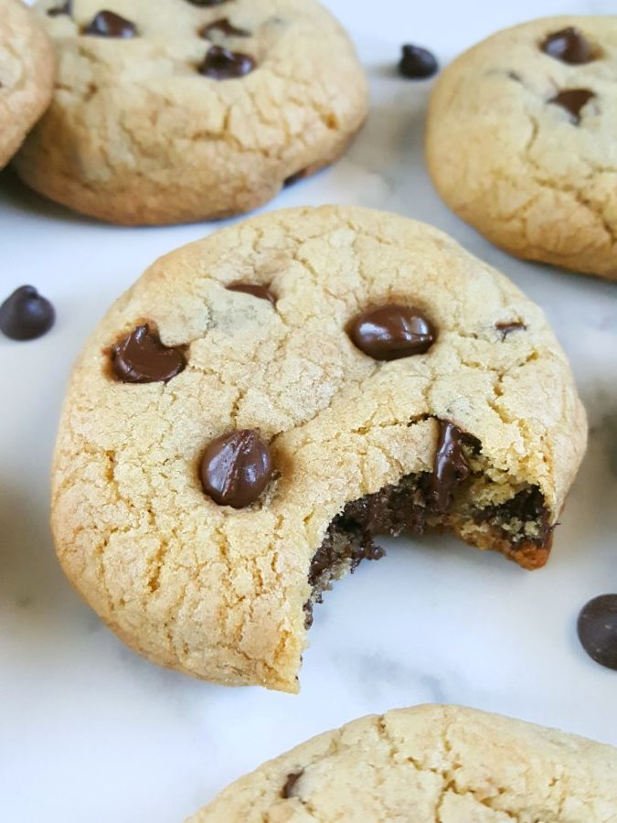 Soft ThickChocolate Chip Cookies – How to make soft thick chocolate chip cookies the easy way, in 20 minutes! | Beat Bake Eat