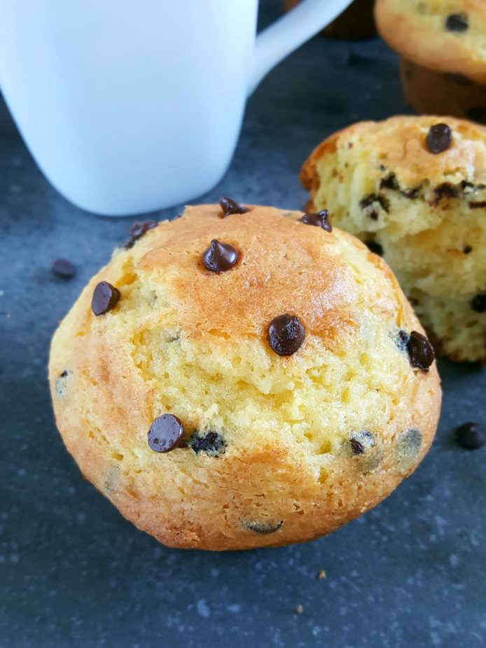 Cake Mix Chocolate Chip Muffins -Easy chocolate chip muffins made with yellow cake mix. Moist bakery style muffins, only 5 ingredients and ready in less than 30 minutes. | Beat Bake Eat