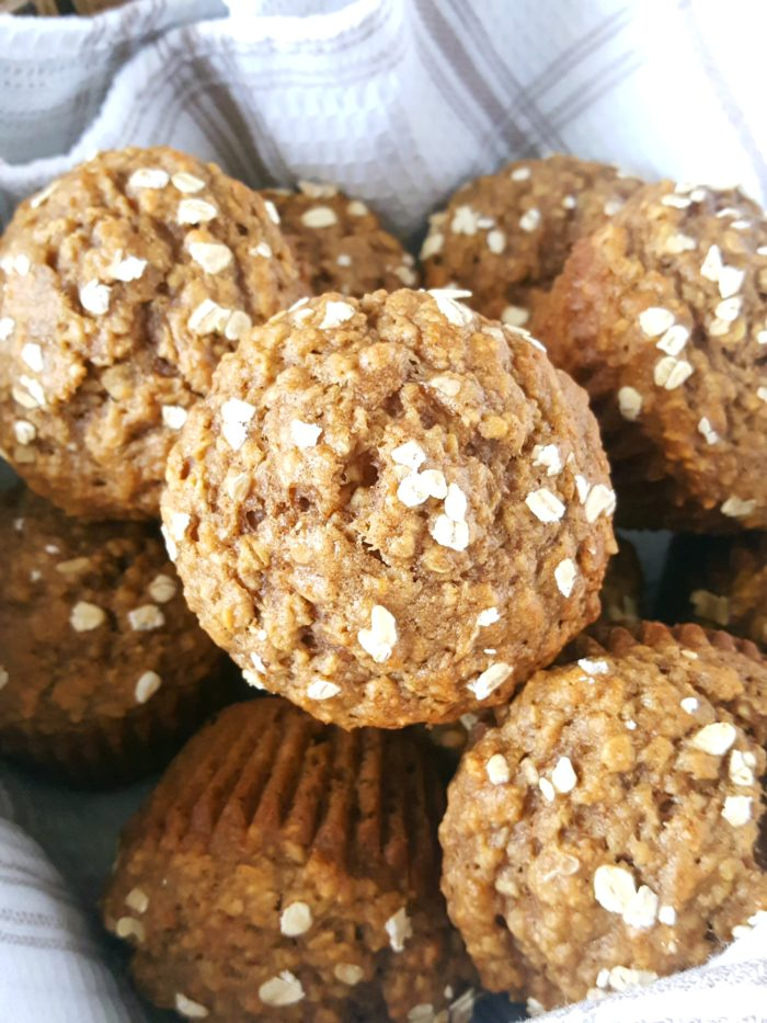 Healthy Oatmeal Applesauce Muffins - These low fat whole wheat muffins made with quick oats are easy to make and so delicious. Perfect for a low calorie breakfast or snack! | Beat Bake Eat