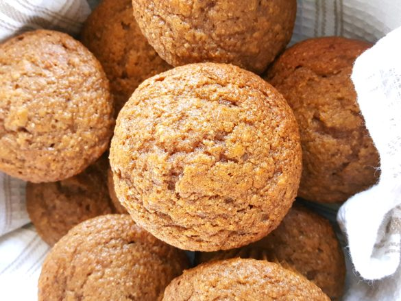 Healthy Whole Wheat Cinnamon Applesauce Muffins - Made with oil, brown sugar, honey/maple syrup, whole wheat flour, & cinnamon. Easy to make & perfect for a clean eating snack or breakfast. | Beat Bake Eat