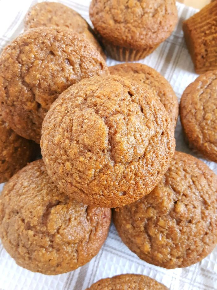 Healthy Whole Wheat Cinnamon Applesauce Muffins - Made with oil, brown sugar, honey/maple syrup, whole wheat flour, & cinnamon. Easy to make & perfect for a clean eating snack or breakfast.   Beat Bake Eat