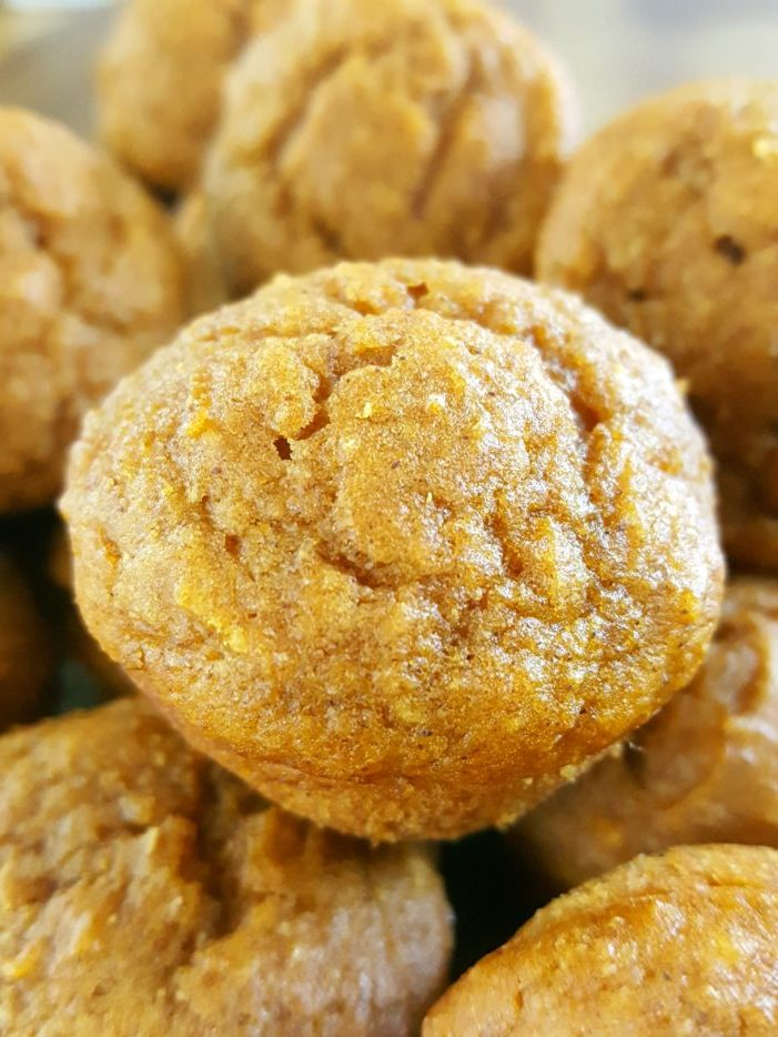 Mini Healthy Pumpkin Muffins for Kids! - Moist, dairy-free mini pumpkin muffins made with oil, whole wheat flour, brown sugar, & natural sweetener. Easy to make, healthy & delicious, & the perfect size for little hands.   Beat Bake Eat