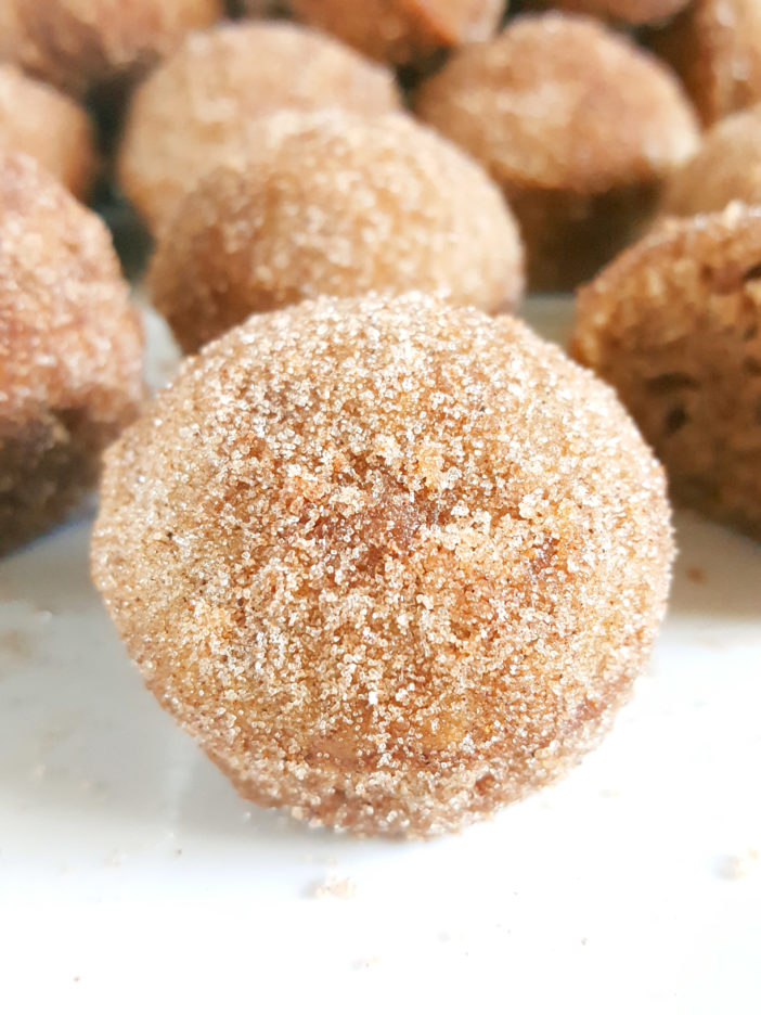 Mini Old-Fashioned Cinnamon Sugar Sour Cream Donut Muffins - Easy recipe for baked cinnamon sugar doughnuts in a mini muffin pan. | Beat Bake Eat