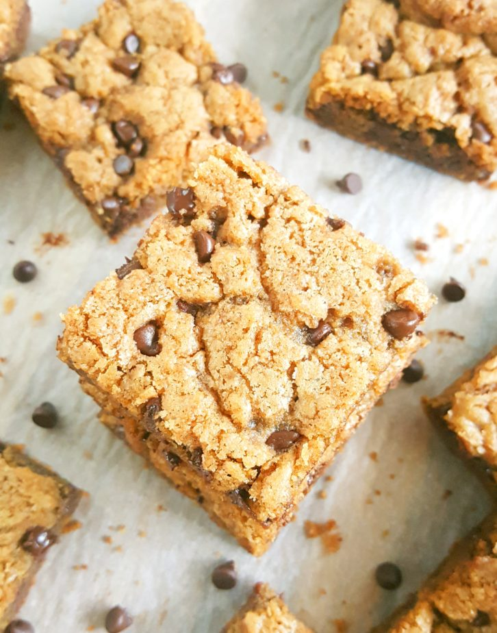 How to make the best Chocolate Chip Cookie Bars - Simple & easy recipe for soft, chewy, gooey homemade cookie bars made in a 9x13 inch pan. The perfect dessert for a crowd! | Beat Bake Eat