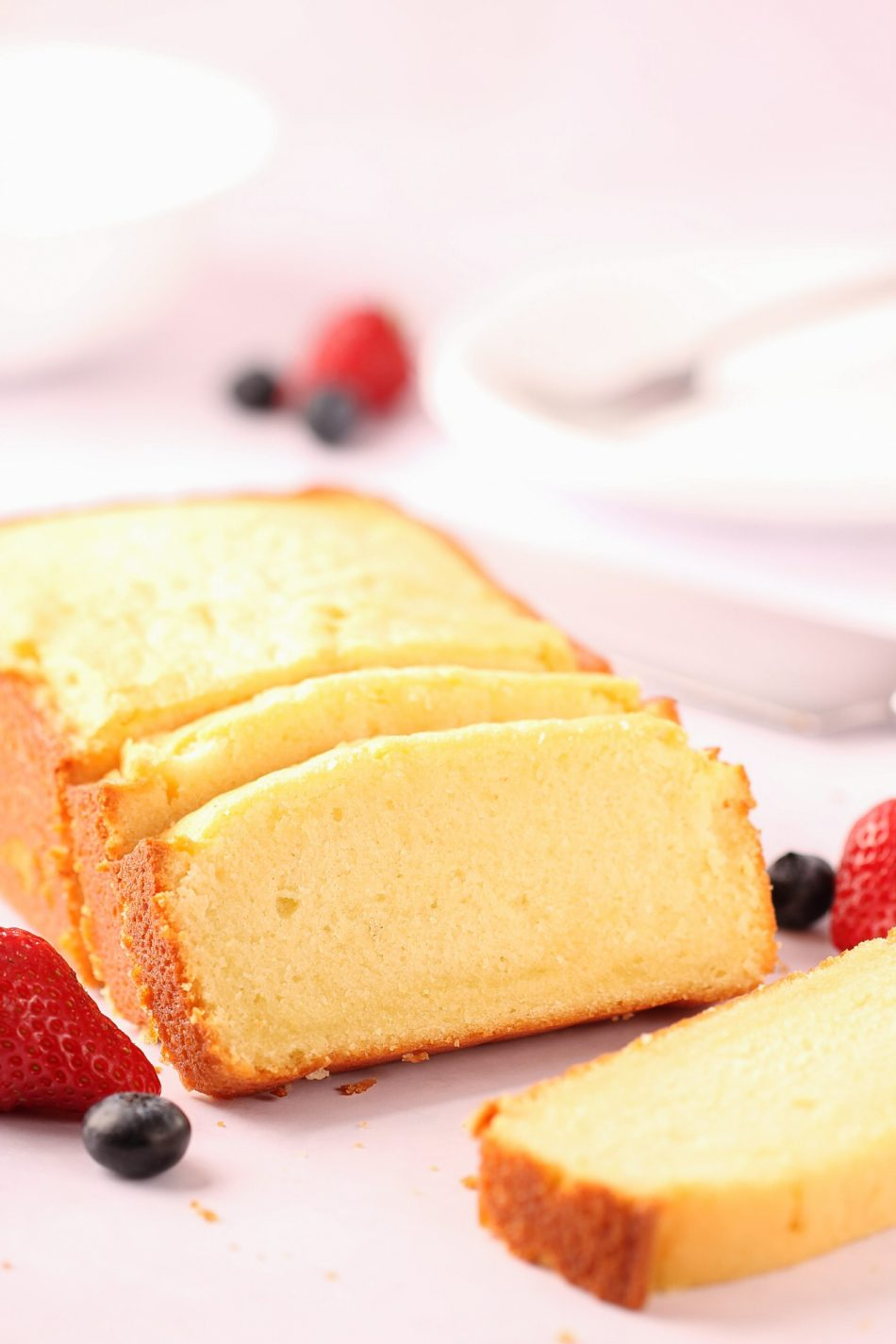 This homemade buttermilk pound cake is to die for! | Beat Bake Eat