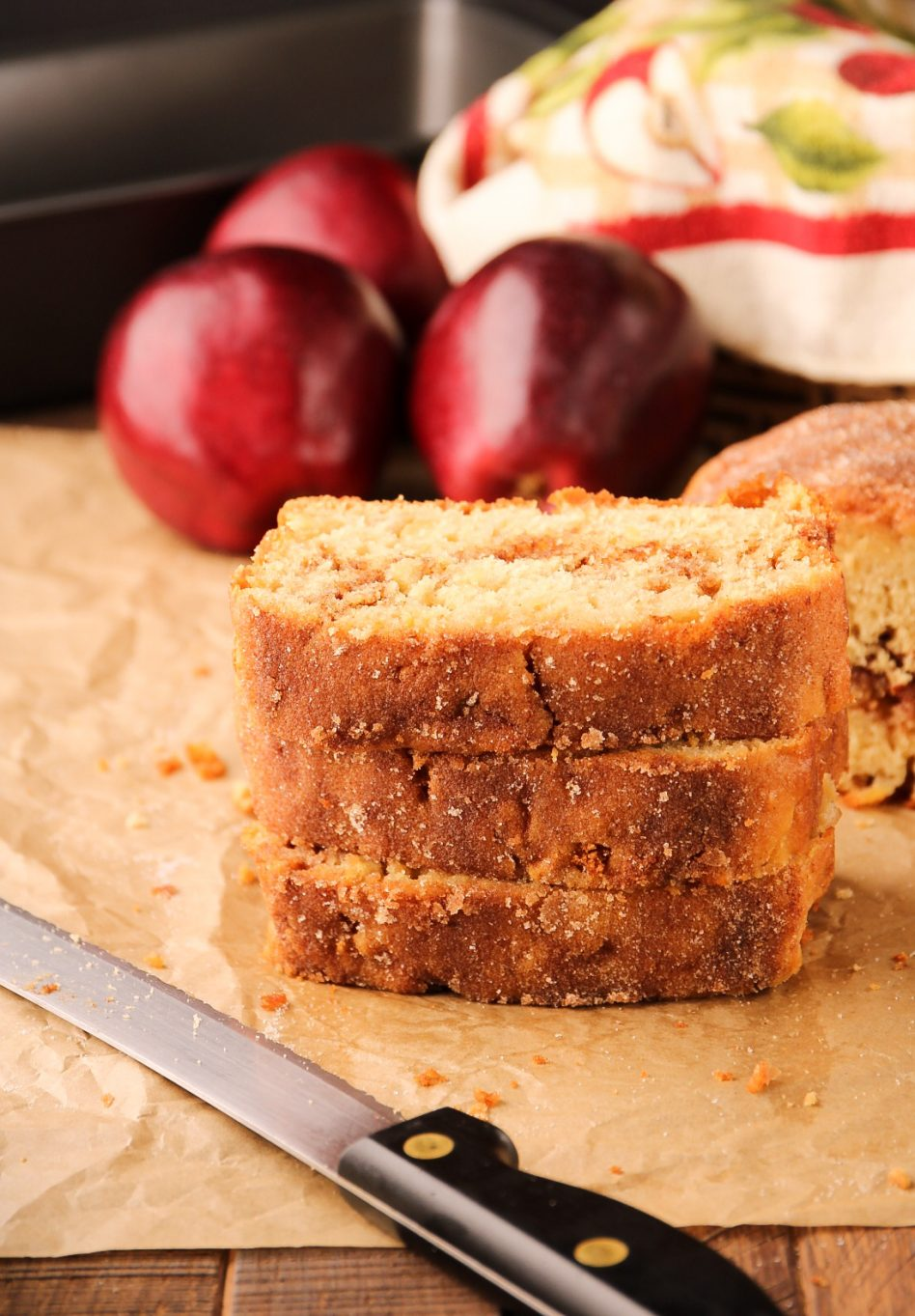 Apple Bread topped with Cinnamon Sugar, made without yeast or applesauce. | Beat Bake Eat